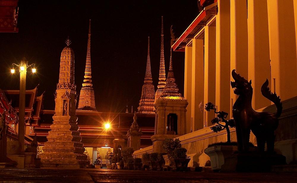 Le Wat Pho est un temple splendide    224  l atmosph  232 re d  233 tendue et    Wat Pho Temple